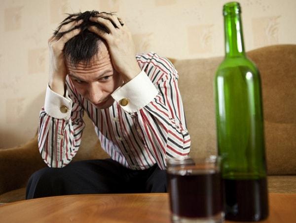 Kết quả hình ảnh cho tâm thần do rượu
